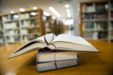 booksinlibrary_142020193